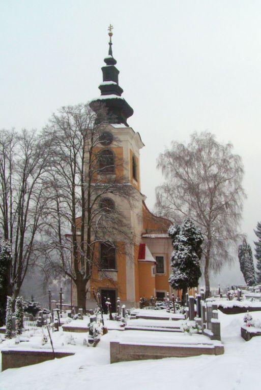 p55 02 Vyhne kostol